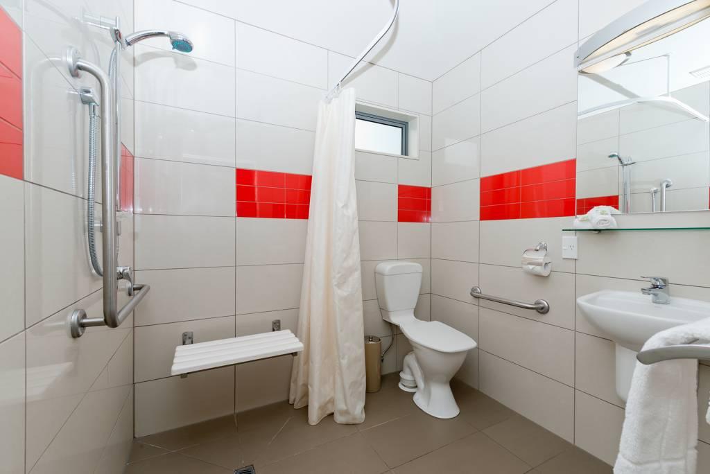 1-Bedroom-De-lux-Motel-Bathroom