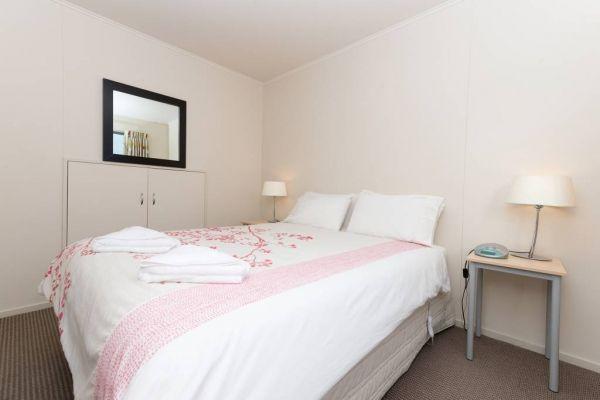 1-Bedroom-De-lux-Motel-Master-Bedroom