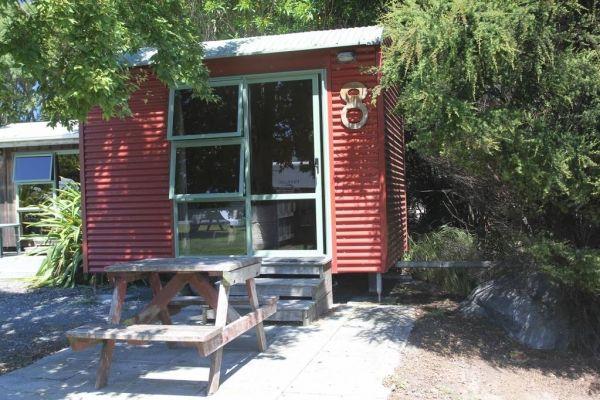 Standard-Cabin-2p