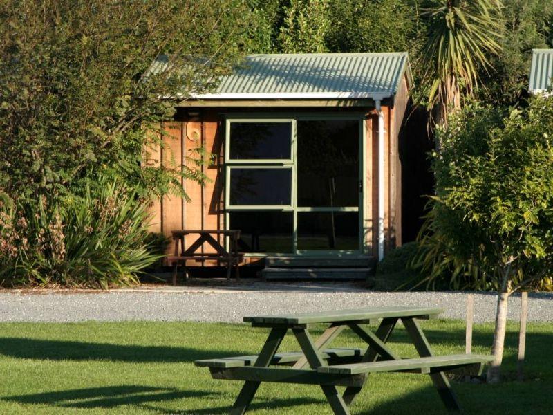 Standard Cabin exterior (3)